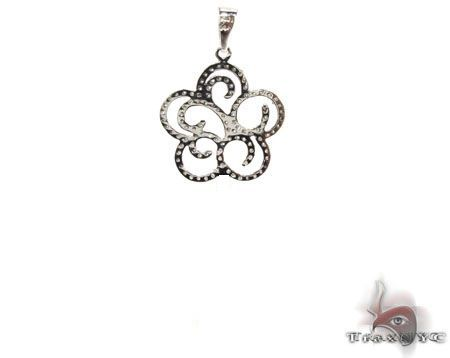 14K White Gold Diamond Flower Pendant. 63220 Stone