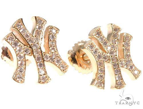 14K Yellow Gold Yankee Diamond Stud Earrings Stone