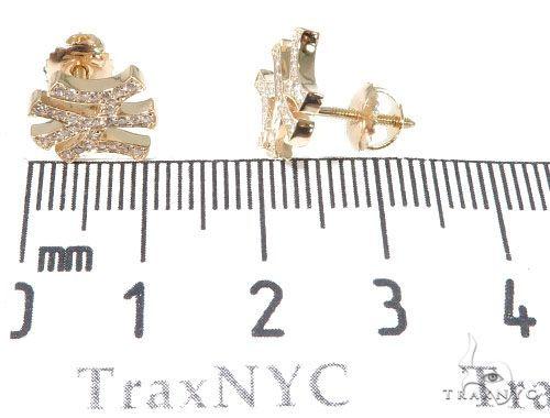 14K Yellow Gold Yankee Diamond Stud Earrings Stone