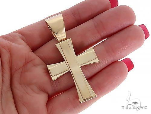 14k Yellow Gold Masterpiece Cross 65100 Diamond