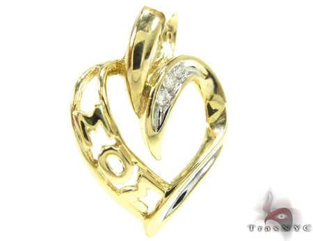 I Love Mom Diamond Pendant Style