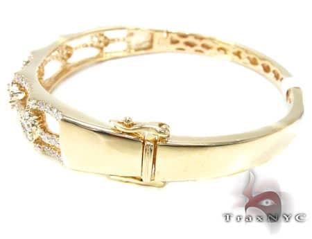 YG Flower Cluster Bracelet Diamond