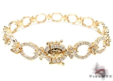 YG Queen Links Bracelet Diamond