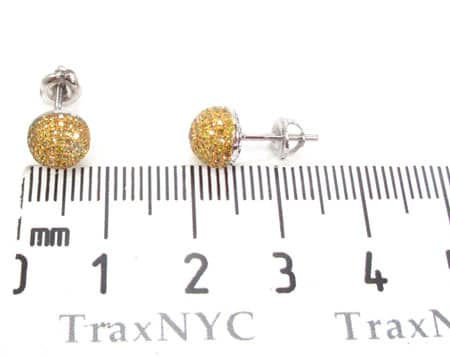 Large Berry Studs Stone