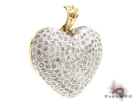 Yellow Gold Little Heart Pendant 3 Stone