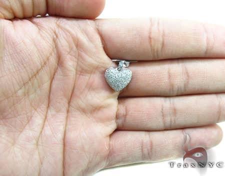 White Gold Little Heart Pendant Stone
