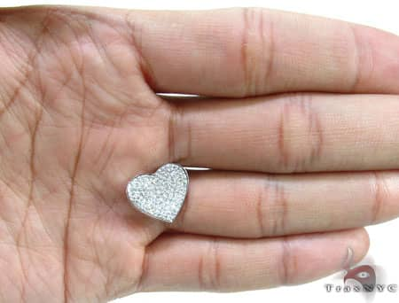 Small Icy Heart Pendant Stone