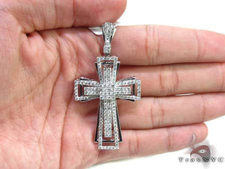 White Gold Benny Cross 2 Diamond