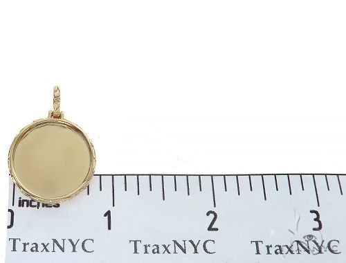 14K Yellow Gold Round Special Edition Photo Pendant Engraved Frame 65311 Metal