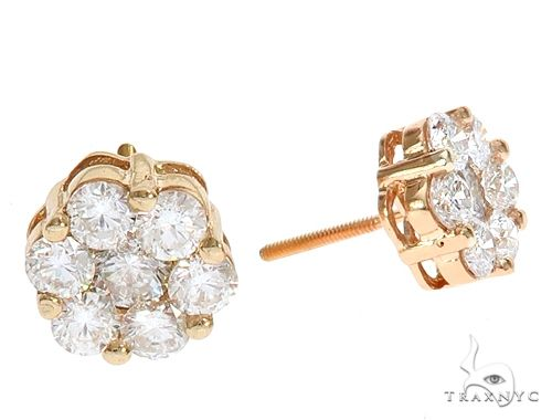 18K Yellow Gold VS Floweret Studs 65015 Stone