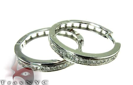 Small Circle Hoop Earrings Style