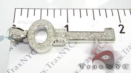 Circle Key Pendant Stone
