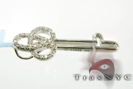 Interlocking Key Pendant Stone