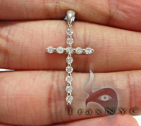 Noble Cross Diamond