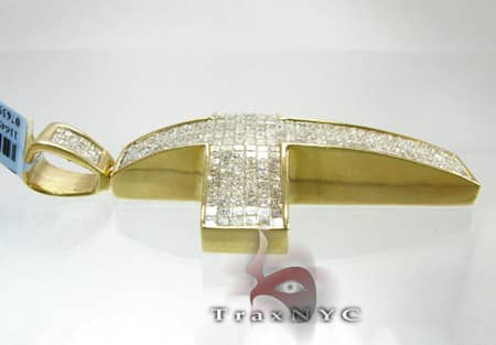 YG Princess Cut Cross Diamond