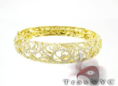 Yellow Gold Persian Bangle 2 Diamond