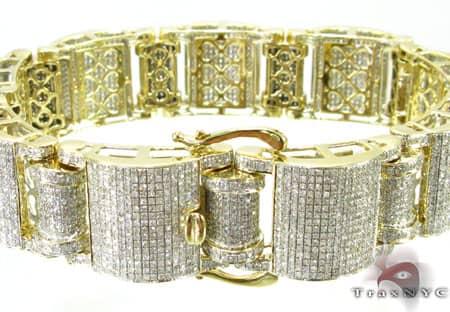 Yellow Gold Pave Jumbo Bracelet Diamond