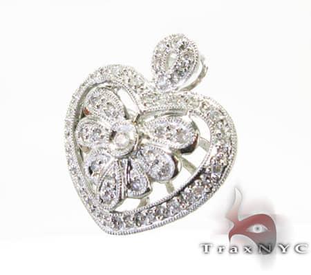 Mini Designer Heart Pendant Stone