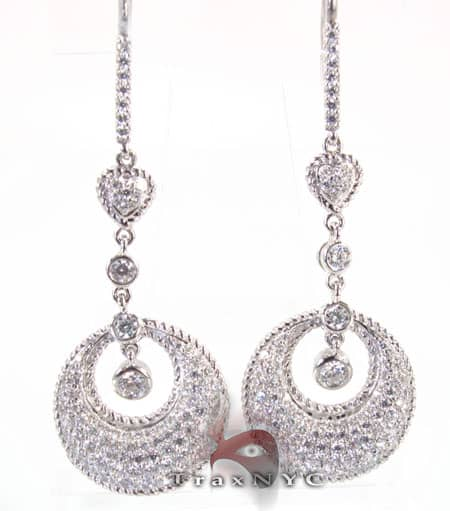 Crescent Earrings Style