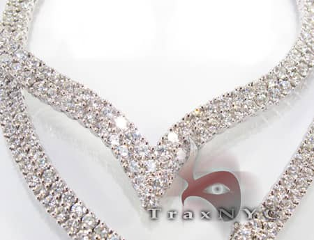 Ladies Queen Necklace Diamond