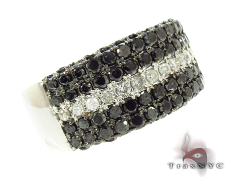 5 Row Black and White Color Daimond Ring Stone