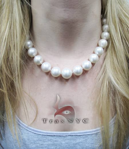 White Pearl Necklace Pearl
