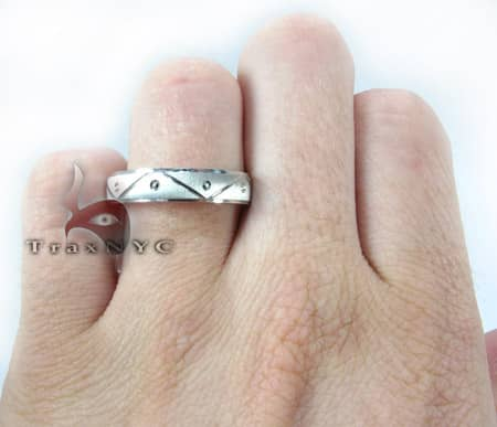 White Gold Triangle Band Style