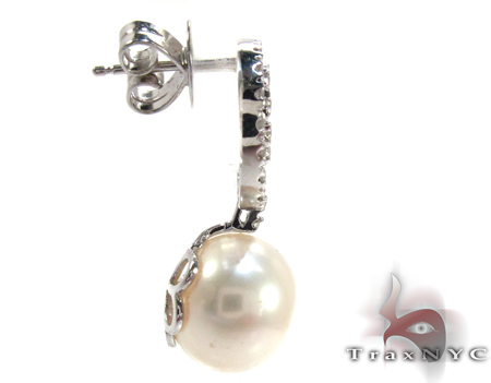 Dangle Diamond White Pearl Earrings Stone