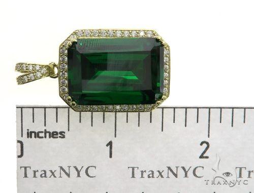Green Treasure Gold Pendant 63436 Metal