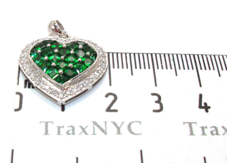 Heart deep Emerald Diamond Pendant Stone