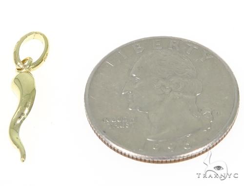 Italian Horn Yellow Gold Pendant 44909 Metal