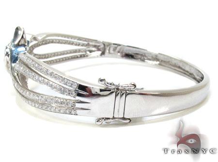 Ladies White Gold Diamond Center Heart Bracelet 21001 Diamond
