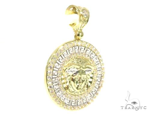 Medusa Gold Pendant 45478 Metal