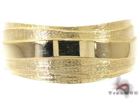 Mens Tidal Yellow Gold Wedding Band Style