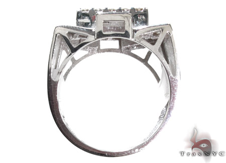 White Gold Round Cut Channel Diamond Crown Ring Stone