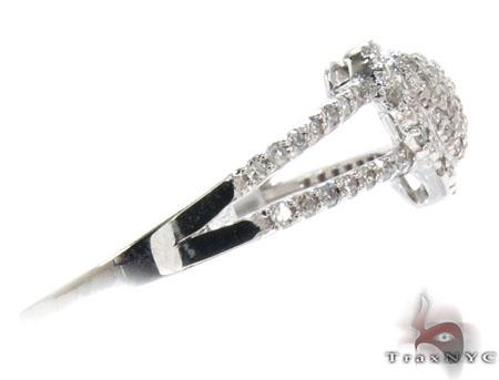 White Gold Round Cut Pave Prong Diamond Heart Ring Anniversary/Fashion