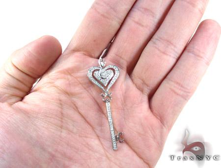 White Gold Round Cut Prong Diamond Key Pendant Style