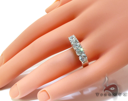 White Gold Round Cut Prong Diamond Anniversary Ring Wedding