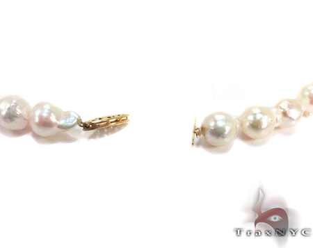 White Baroque Pearl Necklace 27180 Pearl