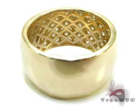 Yellow Gold Infinity Band Stone