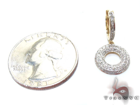 Yellow Gold Round Cut Prong Diamond Earrings Stone