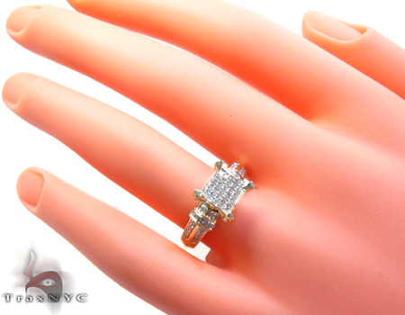 Yellow Gold Round Cut Prong Diamond Ring Engagement