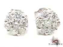 VS2 Round Cut Stud Earrings Style